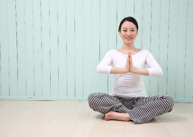 神戸でホットヨガの教室をお探しなら、体験レッスンを行っているオクトワンへ(お得なキャンペーンについてもお気軽にお問い合わせください)